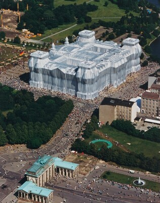 Wrapped Reichstag, Berlin, 1971-1995