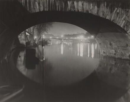 The Pont du Carrousel seen through the Pont Royal