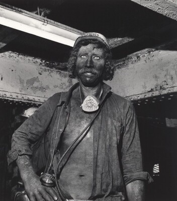 Untitled, Czech Republic (Family of Miners series)