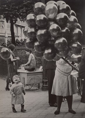 La marchande de ballons (Balloon Seller)