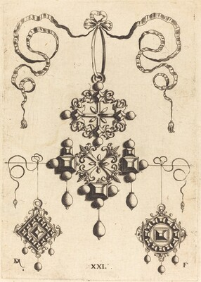 Pendant with Wheel at Centre, Surrounded by Four Table-Stones