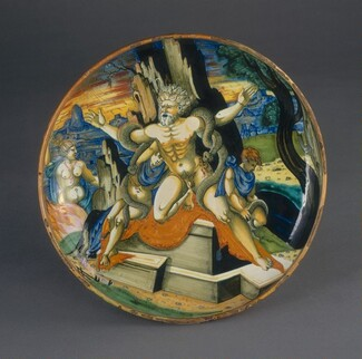 Francesco Xanto Avelli, Italian 16th Century, Maestro Giorgio Andreoli of Gubbio, Shallow bowl on low foot with the death of Laocoön and his two sons, 15391539