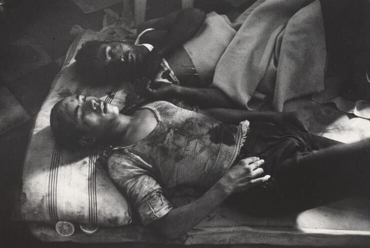 David Seymour (Chim), Civilians, Port Said, November 9, 1956