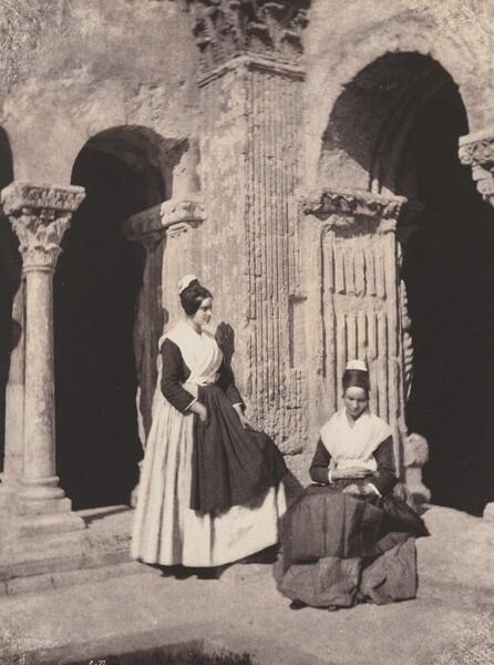 Arlesiennes dans le Cloître de Saint-Trophime (Women from Arles in the Cloisters of Saint Trophime)