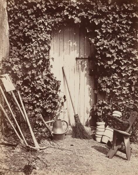 Porte de ferme de Marlotte (Doorway with Garden Implements)