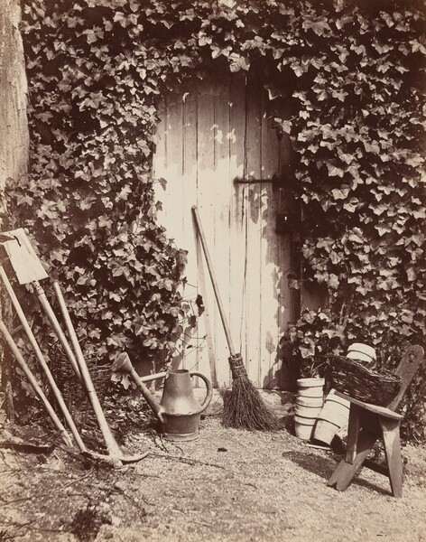Porte de ferme de Marlotte (Doorway with Garden Implements)