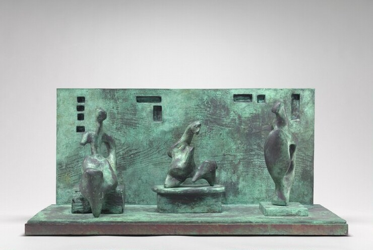 Henry Moore, Three Motives Against Wall, Number 1, 1958