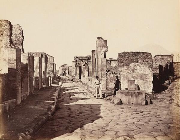 Strada di Sallustio, Pompei (Street of Sallustio, Pompeii)
