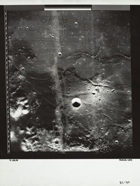 Lunar Orbiter, Medium Resolution, LOV M-066 LRC
