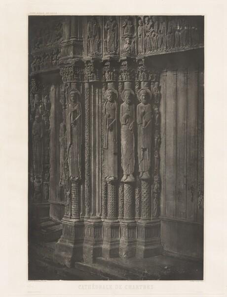 Planche XIII – Cathédrale de Chartres, Statues Colonnes de la Porte Centrale du Portail Royal (Plate XIII – Chartres Cathedral, Statue Columns in the Central Door of the Royal Entrance)