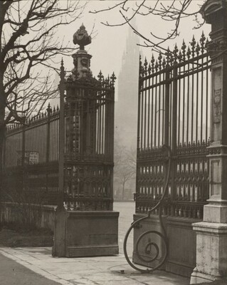Parktor-Rathaus (Park Gate, City Hall)