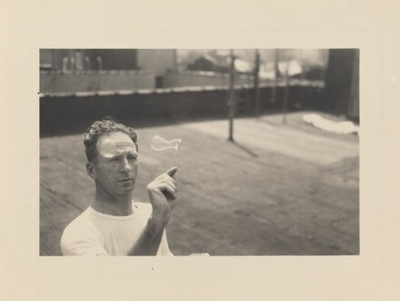 Aug 1950 Making soap bubbles
