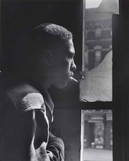 Gordon Parks, Trapped in abandoned building by a rival gang on street, Red Jackson ponders his next move, 1948