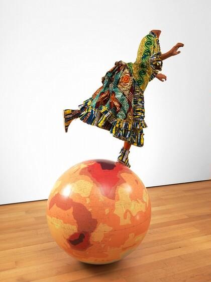 Yinka Shonibare, Girl on Globe 2, 2011