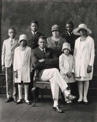 Mr. and Mrs. T.M. Cambell and Children