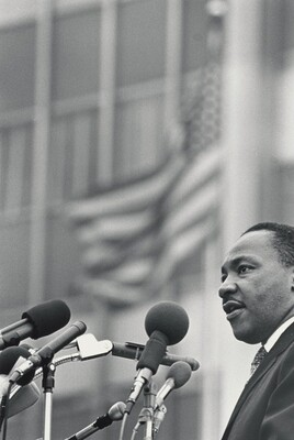 Dr. Martin Luther King, Jr. addresses the crowd outside the United Nations