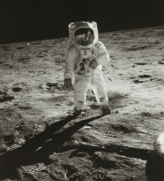 Buzz Aldrin, Reflections of a Moon-Walk