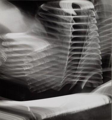 Camera Movement on Automobile Reflection