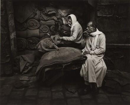 Repairing Sacks, Cairo