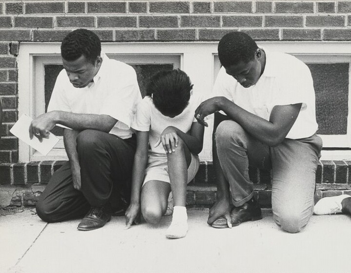 Danny Lyon, Magnum Photos, John Lewis and Colleagues, Prayer Demonstration at a Segregated Swimming Pool, Cairo, Illinois, 1962, printed 1969