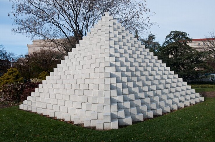 Sol LeWitt, Four-Sided Pyramid, first installation 1997, fabricated 1999