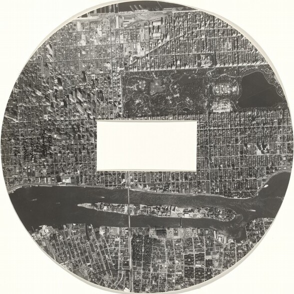 A Circle of Manhattan without a Rectangle