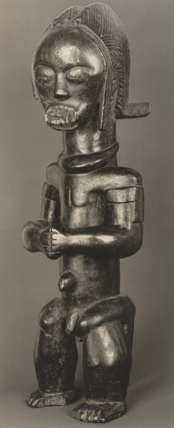 Figure with Clenched Fists, Pahouin