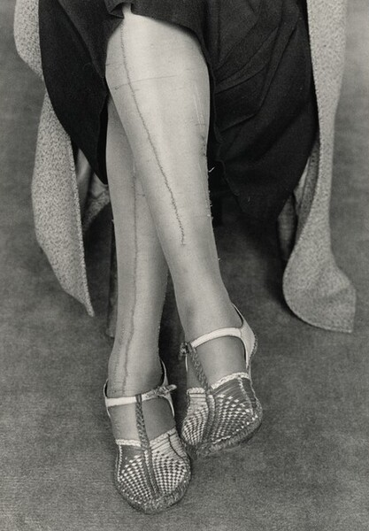 Stenographer with mended stockings, San Francisco, California