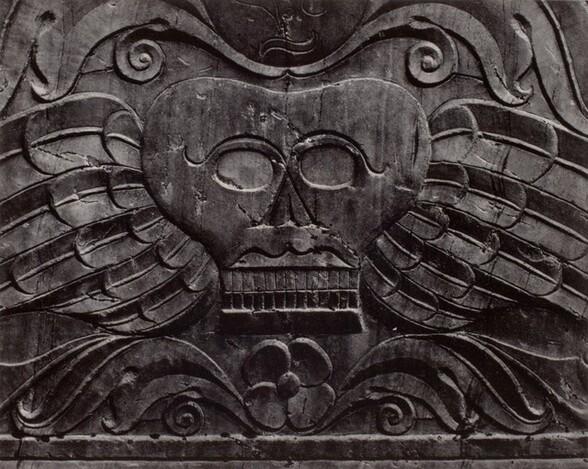 Tombstone, Winged Skull