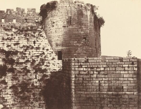 Kalaat-El Hosn, deuxième enceinte, extérieur, midi