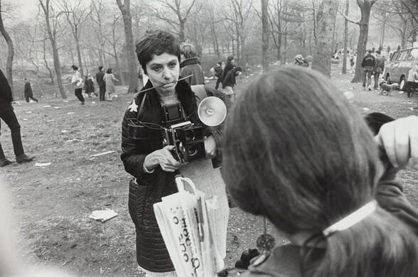 Diane Arbus, Love-In, Central Park, New York City