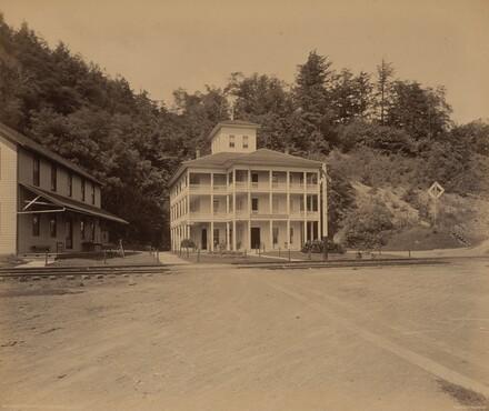 Owasco Lake, Ensenore Glen House