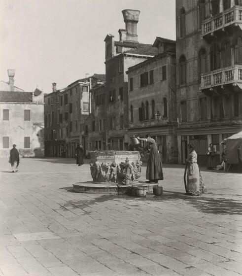 A Venetian Well