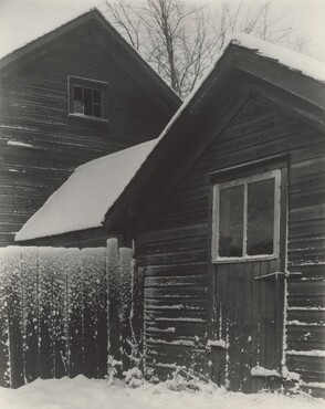 image: Barn & Snow